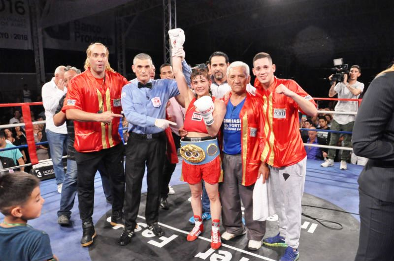 Marcela Acuña Leads Back to Back Nights of Title Fights in Argentina
