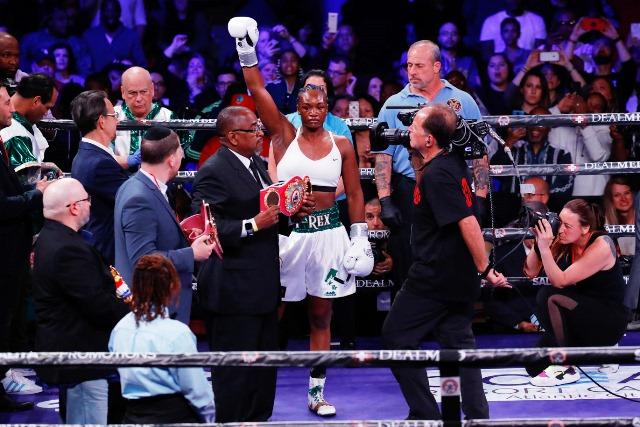 Claressa Shields Blazes Past Christina Hammer In Middleweight Showdown