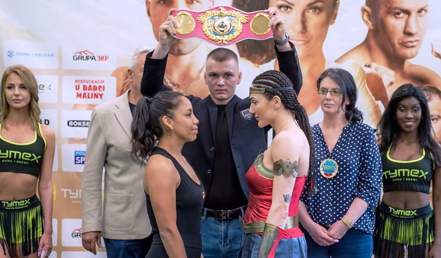 Poland's Ewa Brodnicka Keeps WBO Super Featherweight Title