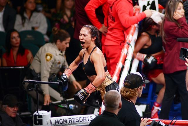 East L.A.'s Seniesa Estrada Beats Marlen Esparza