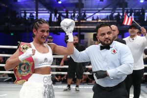 Amanda-Serrano-wins-in-Miami