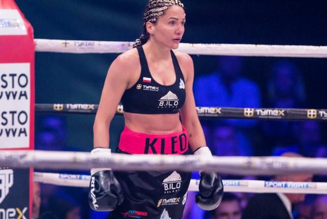 Poland's Ewa Brodnicka Wins and Looks to Mikaela Mayer