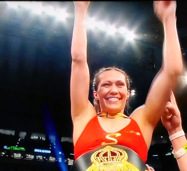 East L.A.'s Seniesa Estrada Wins WBA World Title