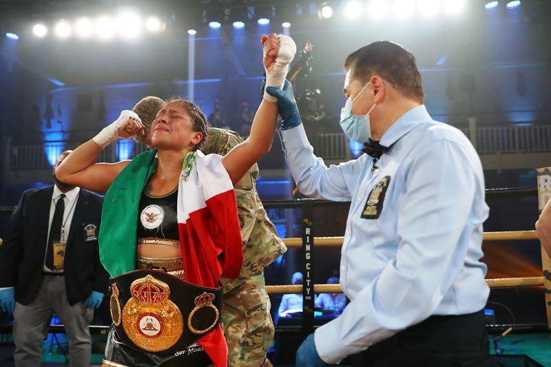 Erika Cruz Dethrones WBA Featherweight Titlist Jelena Mrdjenovich